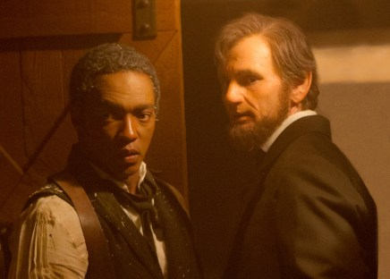 ALVH-407- Abraham Lincoln (Benjamin Walker, right) and his closest friend Will Johnson (Anthony Mackie) prepare for an epic battle against the undead.