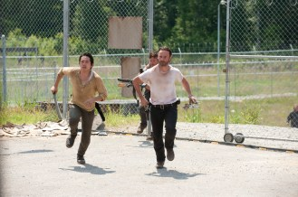 1-Walking-Dead-S3-TWD_GP_304_0615_0082