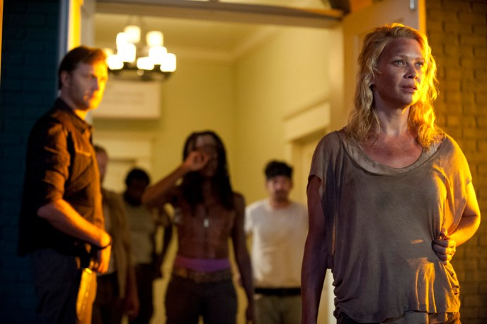 6-Walking-Dead-S3-TWD_GP_303_0607_0429