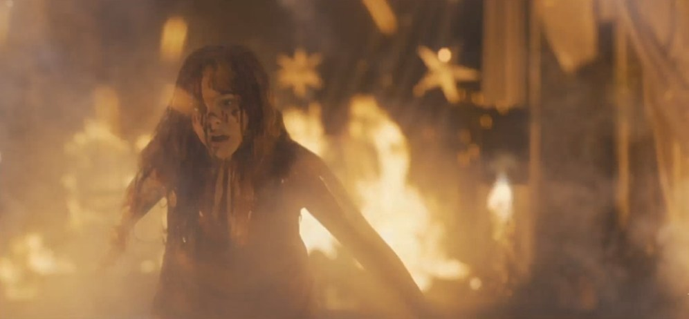 Carrie_Trailer_26_4_4_13