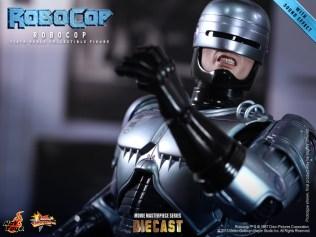 Hot Toys - RoboCop - RoboCop Collectible Figure_PR16