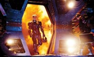 pacific-rim-charlie-hunnam-gipsy-danger-600x369