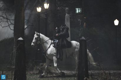 Sleepy Hollow - Episode 1.01 - Pilot - Full Set of Promotional Photos (4)_FULL