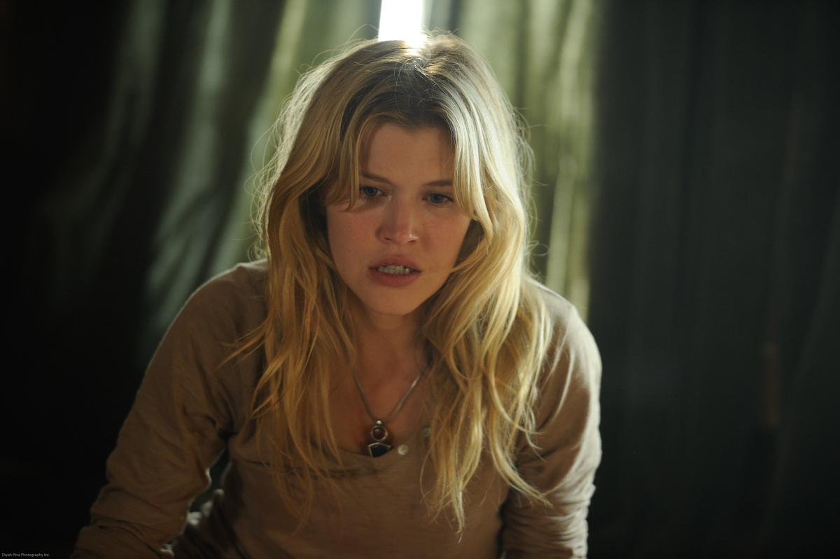 Alyssa Milano Embrace Of The Vampire exclusive: 'embrace of the vampire' trailer goes full-on