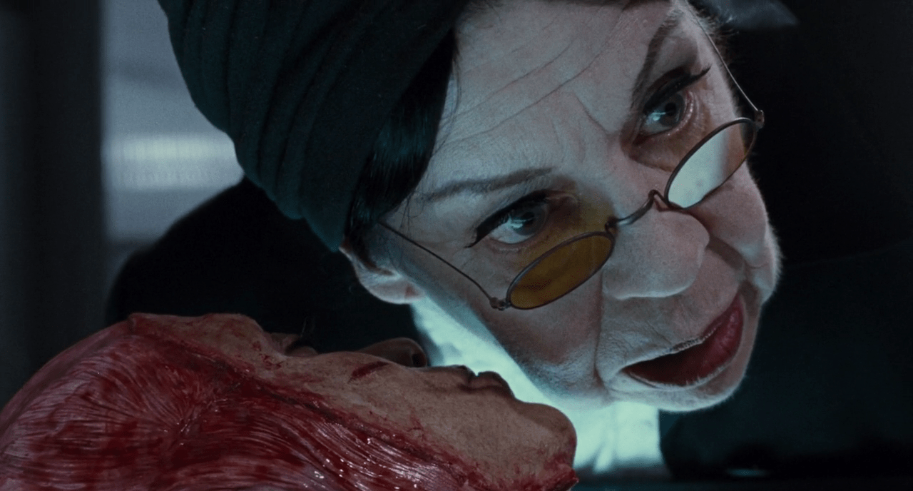 5 brutal foreign horror movies to play at christmas to for Inside french horror movie