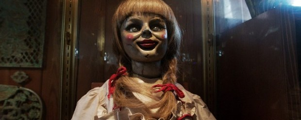 the-conjuring-annabell-the-doll-face-glass-case-726x248