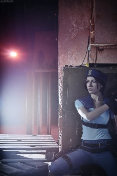 jill_valentine__something_is_amiss____by_narga_lifestream-d6uf85x