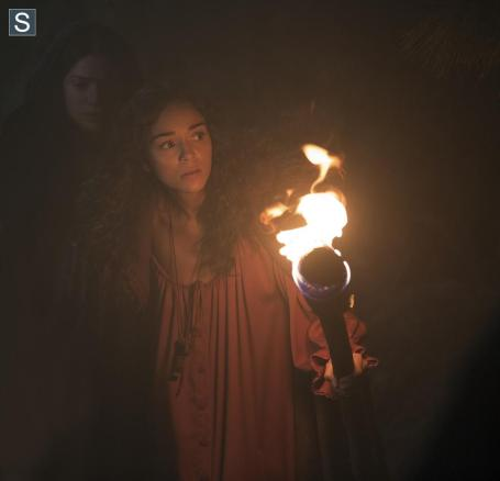 Salem - Episode 1.01 - The Vow - Promotional Photos (17)_FULL