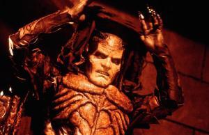 T: Wishmaster / Wishmaster D: Andrew Divoff R: Robert Kurtzman P: USA J: 1997 PO: Szenenbild RU: Fantasy/Horror DA: , - Nutzung von Filmszenebildern nur bei Filmtitelnennung und/oder in Zusammenhang mit Berichterstattung ¸ber den Film.