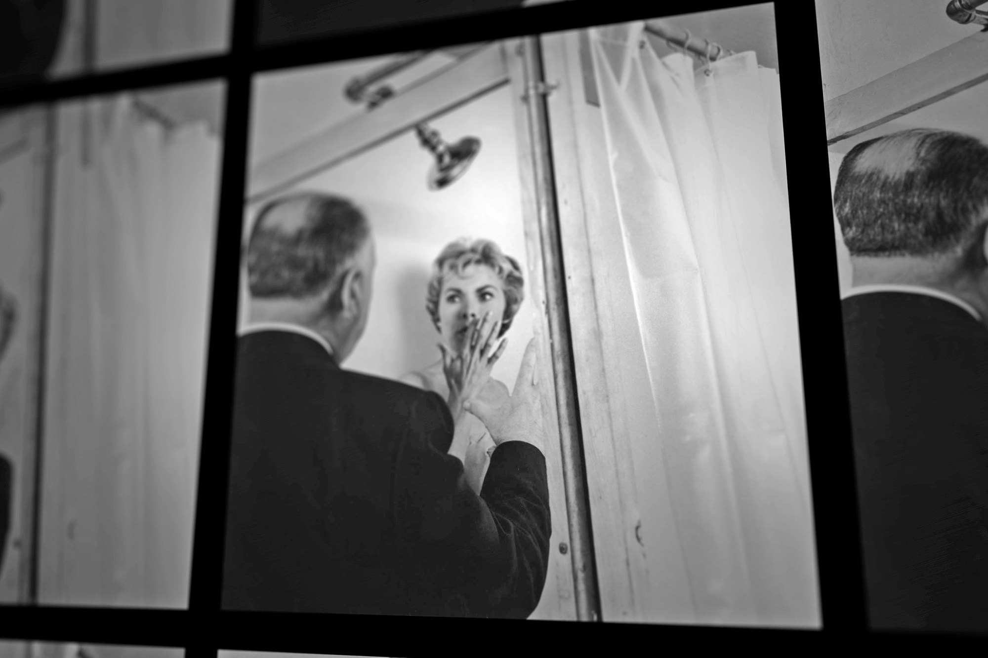 Psycho shower curtain with sound -  78 52 Documents The Shower Scene From Alfred Hitchcock S Psycho Clip Bloody Disgusting