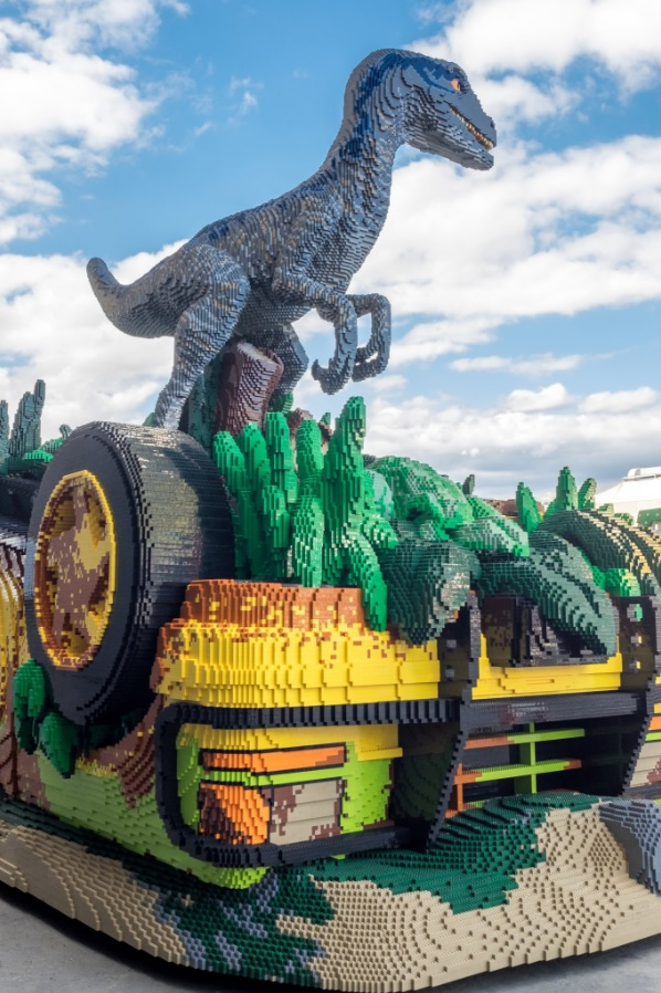 this 'jurassic world fallen kingdom' lego build used over