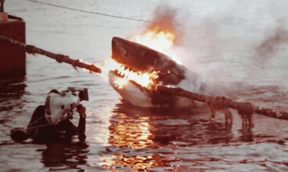 Nearly 200 Never Before Seen 'Jaws 2' Behind the Scenes Photos Just Surfaced! - Bloody Disgusting