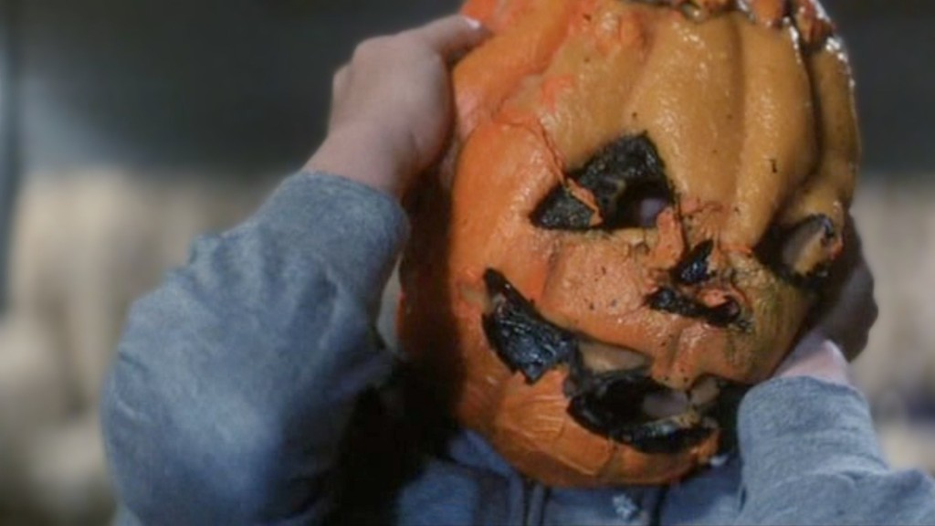 [Teaser] 'Halloween III' Fan Film Sequel 'Return of the Witch' Coming Later This Month! - Bloody Disgusting