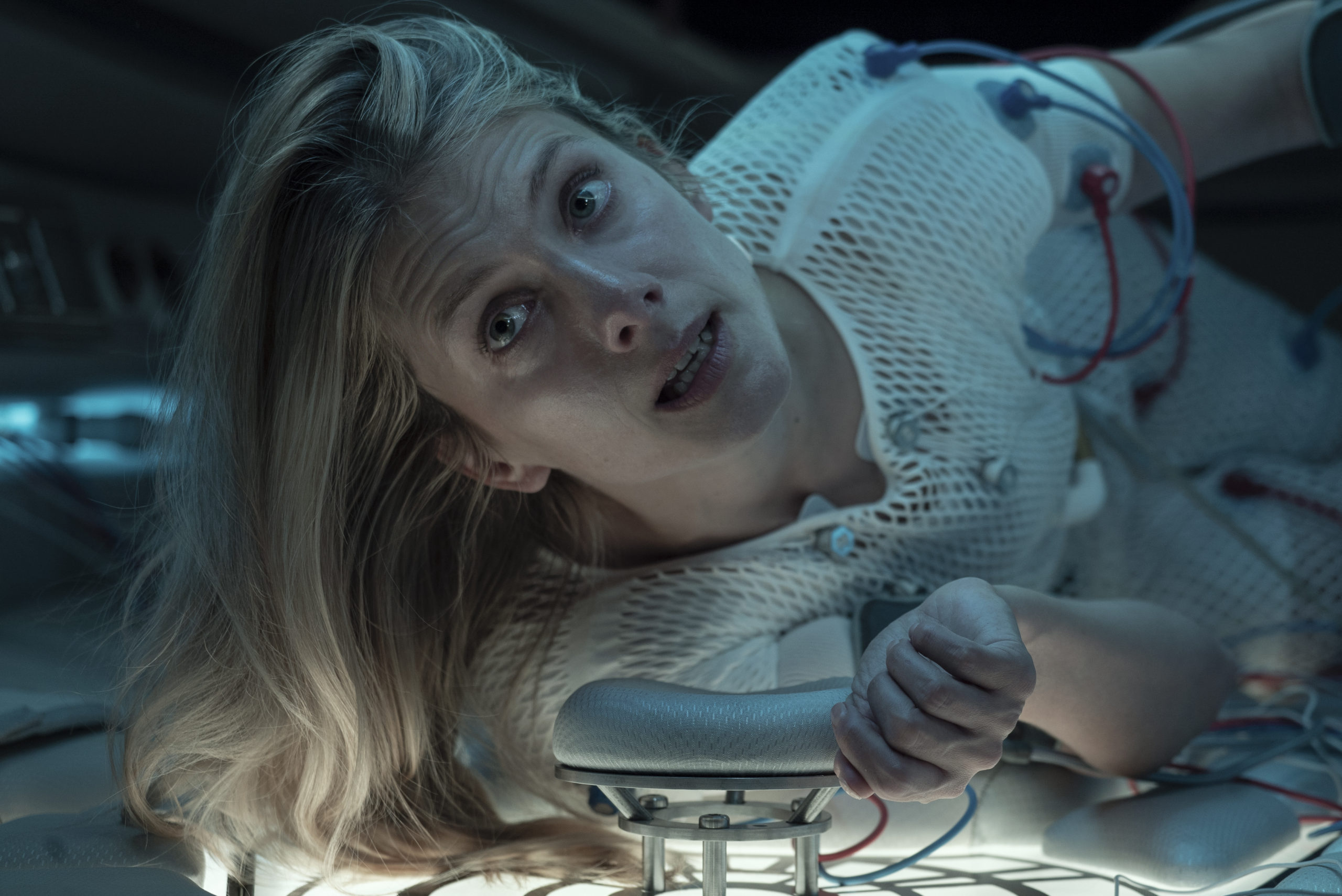 High Tension' and 'Crawl' Director Alexandre Aja is Back With Netflix Thriller 'Oxygen' in May [Trailer] - Bloody Disgusting