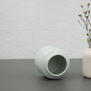 Vase Dahlia en couleur menthe givrée