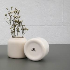 Sable blanc des vases Dahlia en mat et brillant