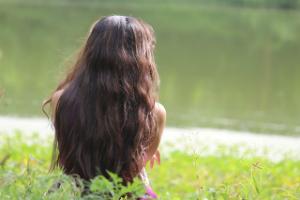 Jojoba Oil to Smooth Frizzy Hair