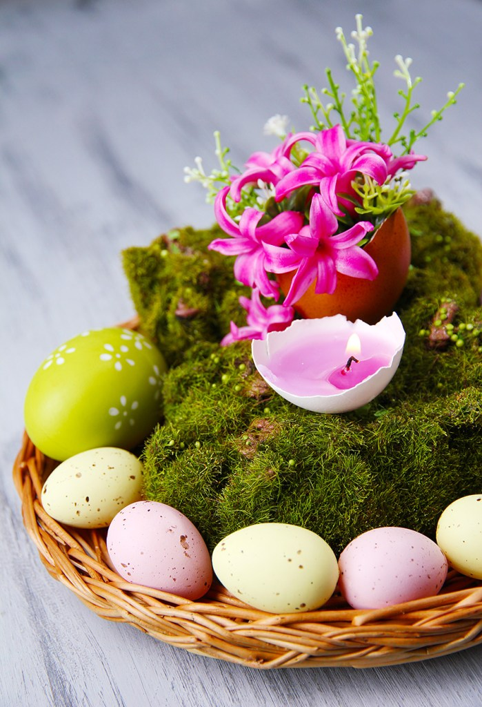 table centerpiece with Easter decorations