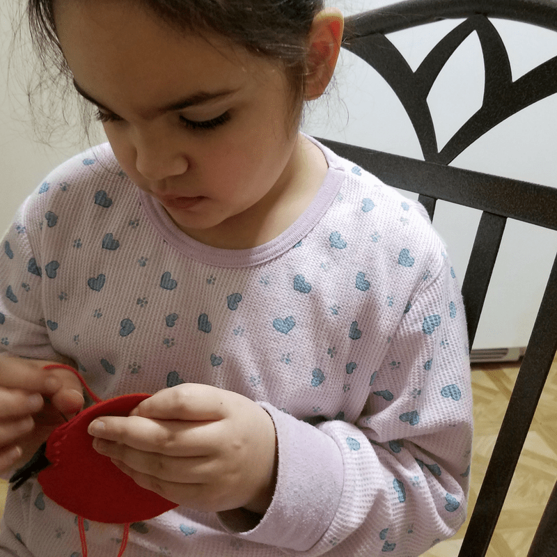 Teaching kids to sew doesn't have to be difficult. Check out this amazing Apple Pincushion to start sewing with your kids.