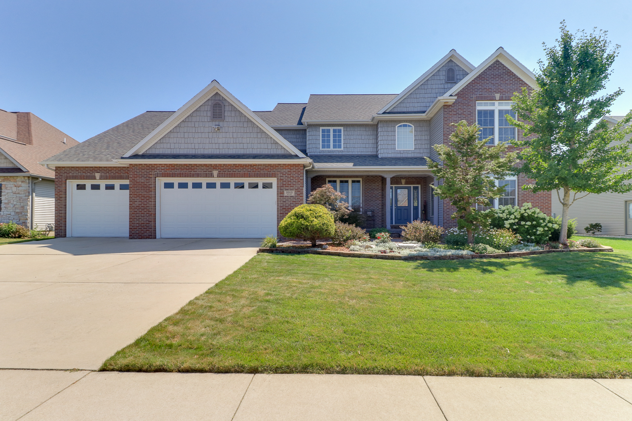2013 Ebo Ln. Bloomington, IL 61704