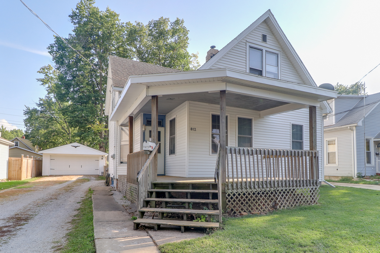 812 West Mill St. Bloomington, IL 61701