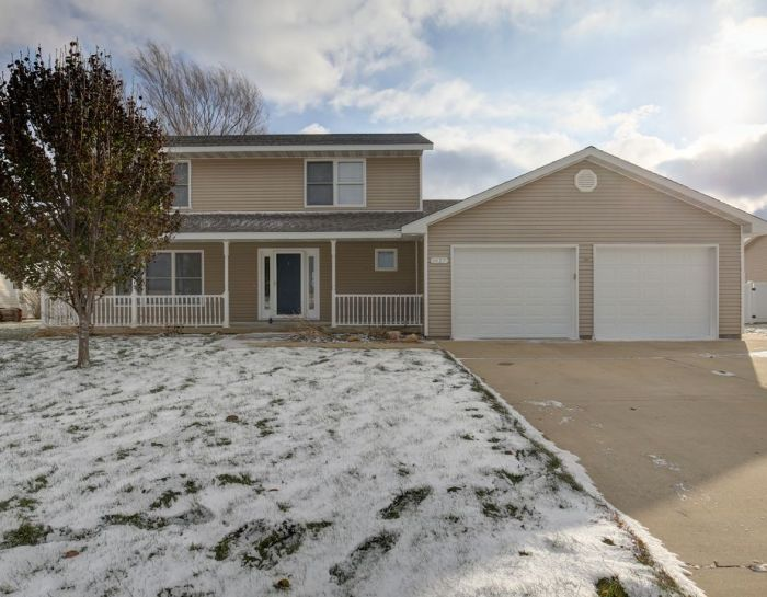 1425 Bluebell Ln. Farmer City, IL 61842 – SOLD