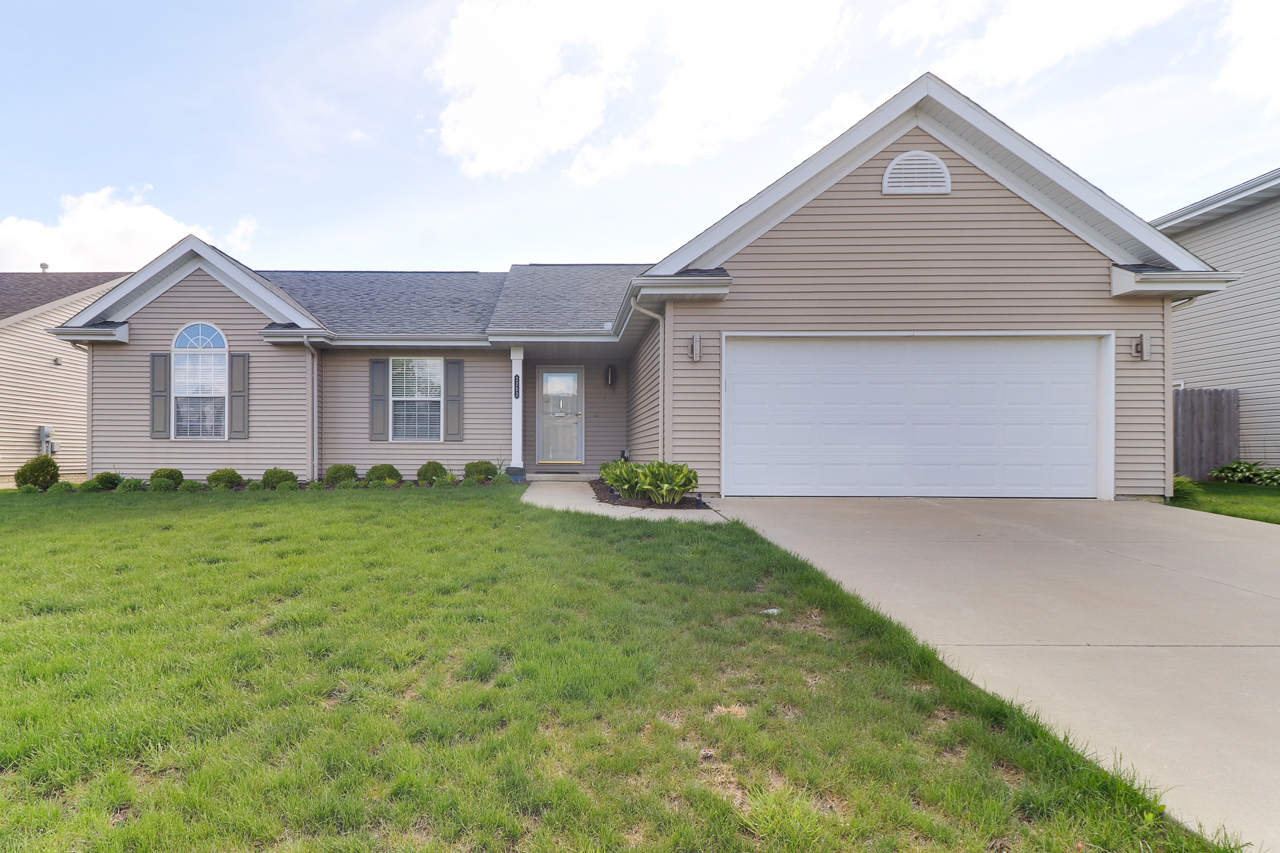 2252 Chase Ln. Normal, IL 61761 – SOLD