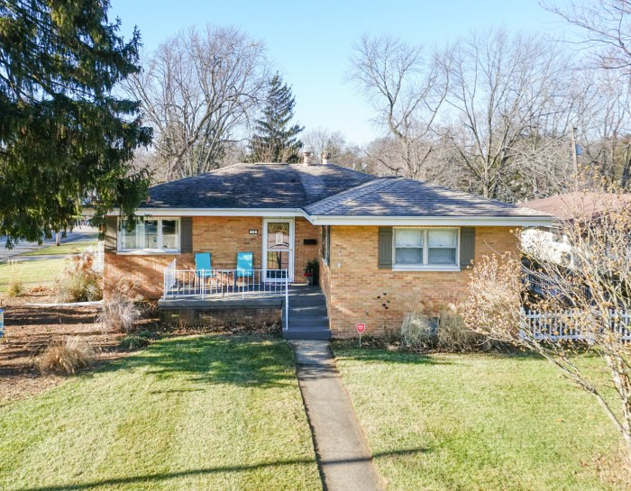 14 Riser Ave, Bloomington, IL 61701- SOLD!