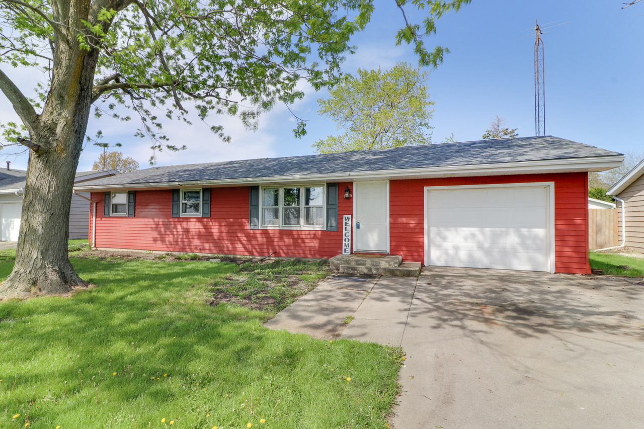 505 S East Street, Hudson IL 61748- SOLD!