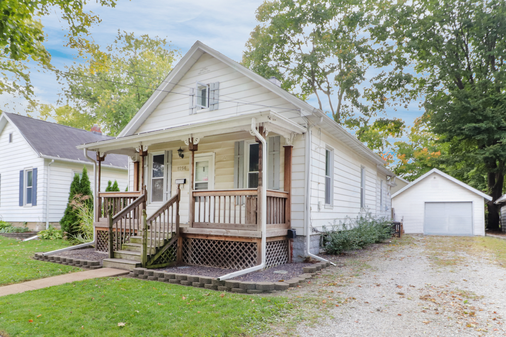 1214 N. Roosevelt Ave, Bloomington, IL 61701-SOLD!