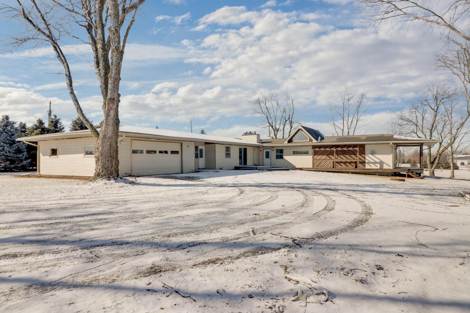 9688 Old Peoria Road Bloomington, IL 61705