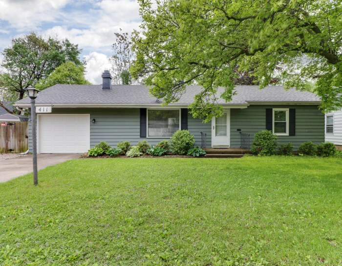 411 Bowles St, Normal, IL 61761-SOLD!