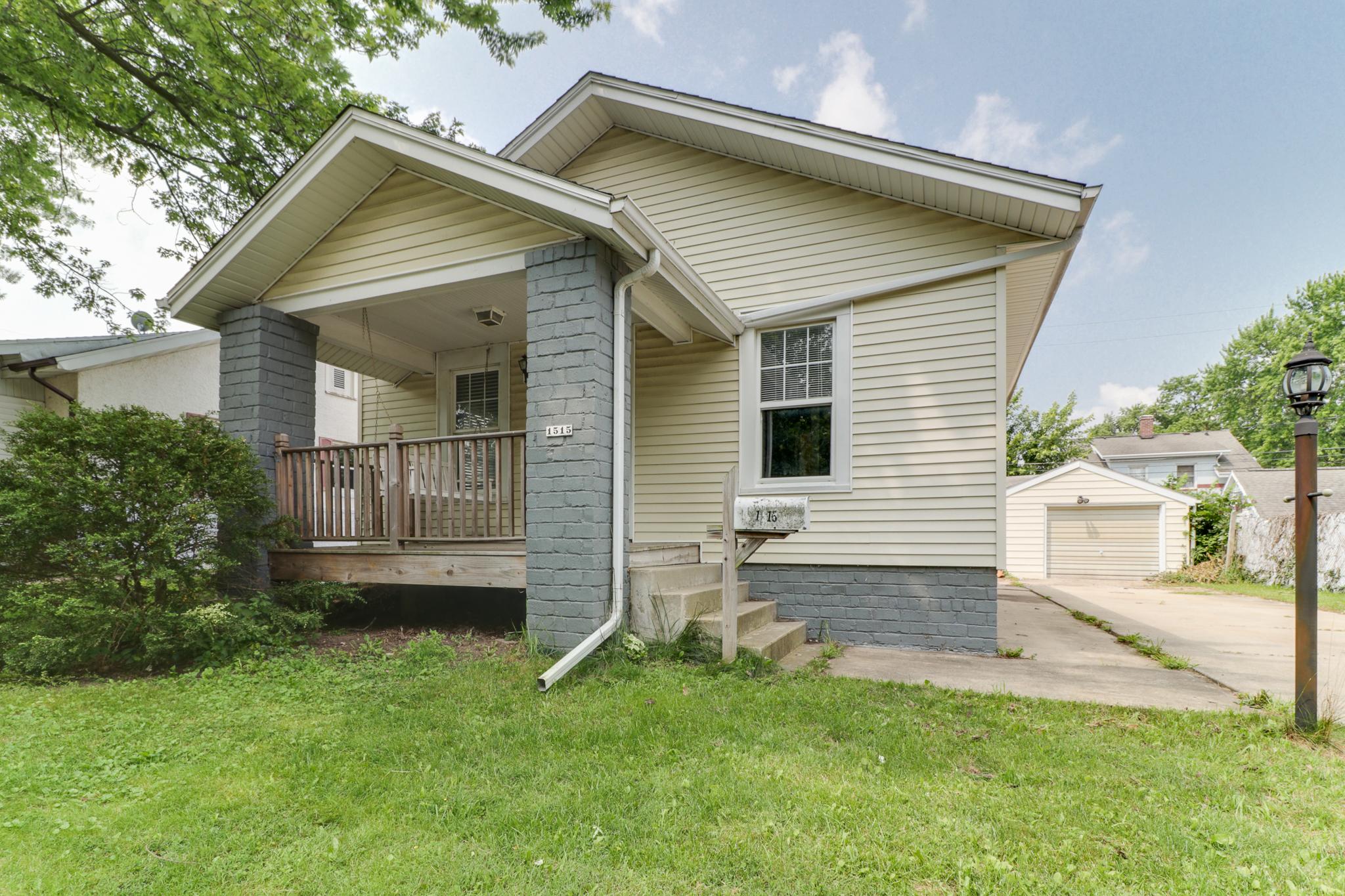 1515 Wilson St, Bloomington, IL 61701 – SOLD!