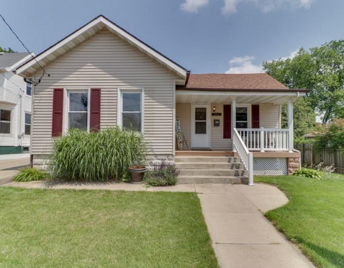 316 E. Baker, Bloomington, IL 61704
