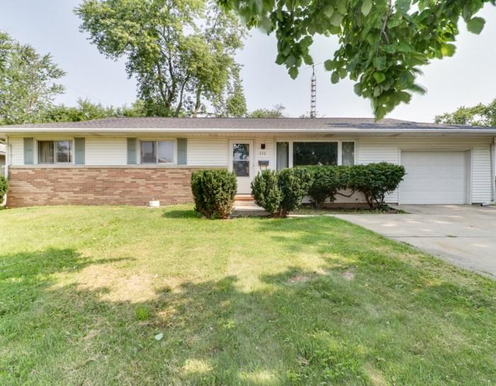 330 Riley Drive, Bloomington, IL 61701