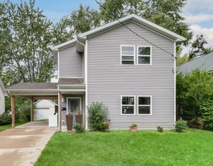 907 W. Jefferson St, Bloomington, IL 61701