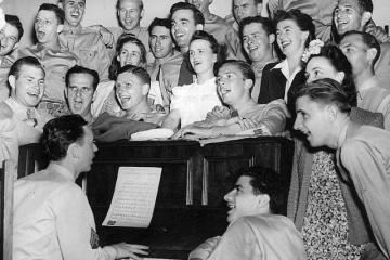 cantar-num-coro-faz-bem-a-saude-do-coracao Cantar num coro faz bem à saúde do coração singing piano