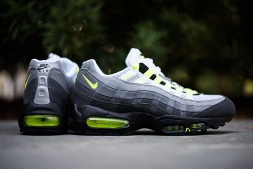Nike_Air_Max_95_OG_-_Neon_Sneaker_Politics_2_1024x1024