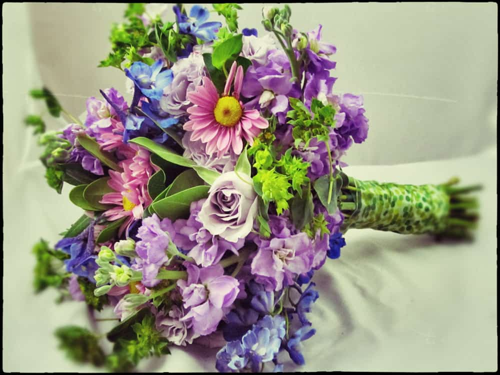 How To Make Your Own Rustic Wildflower Arrangements! All