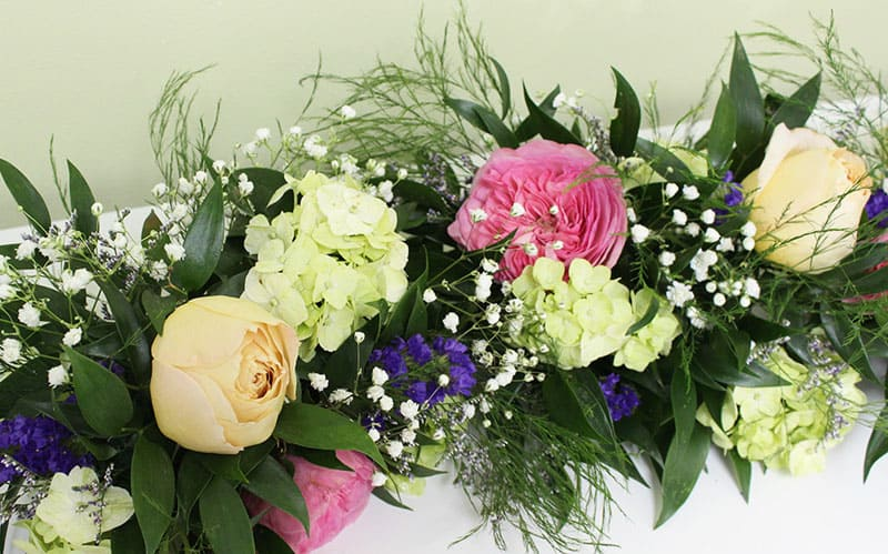 Best DIY Wedding Flowers For Bouquets And Centerpieces