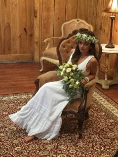 bridewithheadcrownandbouquetgreen