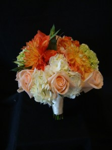 orangewithpeachroses-bouquet