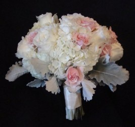 whitewithpinkand-silverbouquet