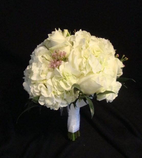 whitewithtinypink-bouquet