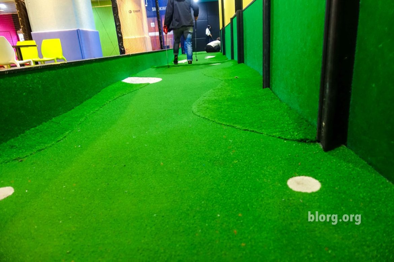 round one mini golf