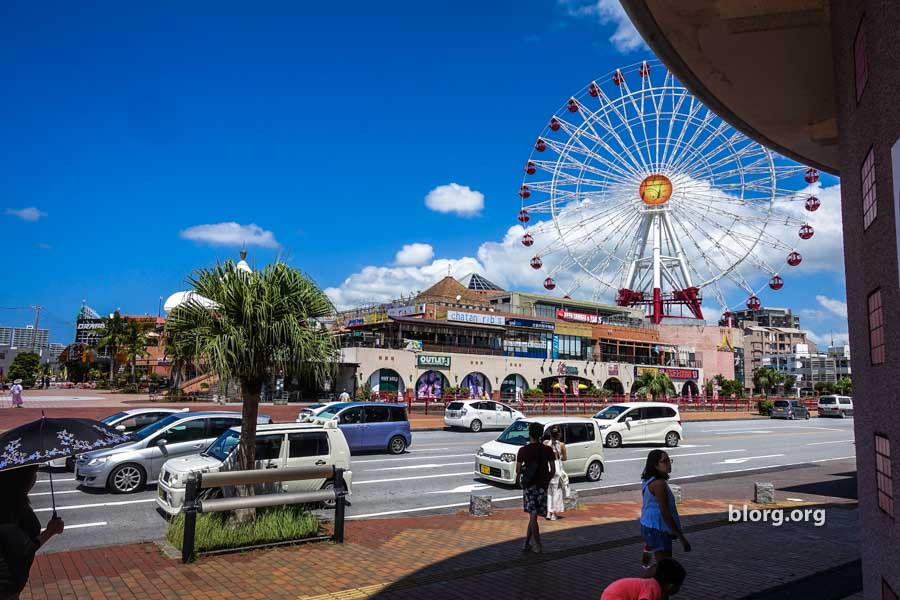 Okinawa Tourist Guide: American Village