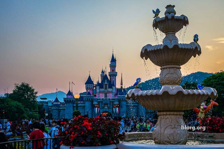 Visual Journey: A Day At Disneyland Hong Kong