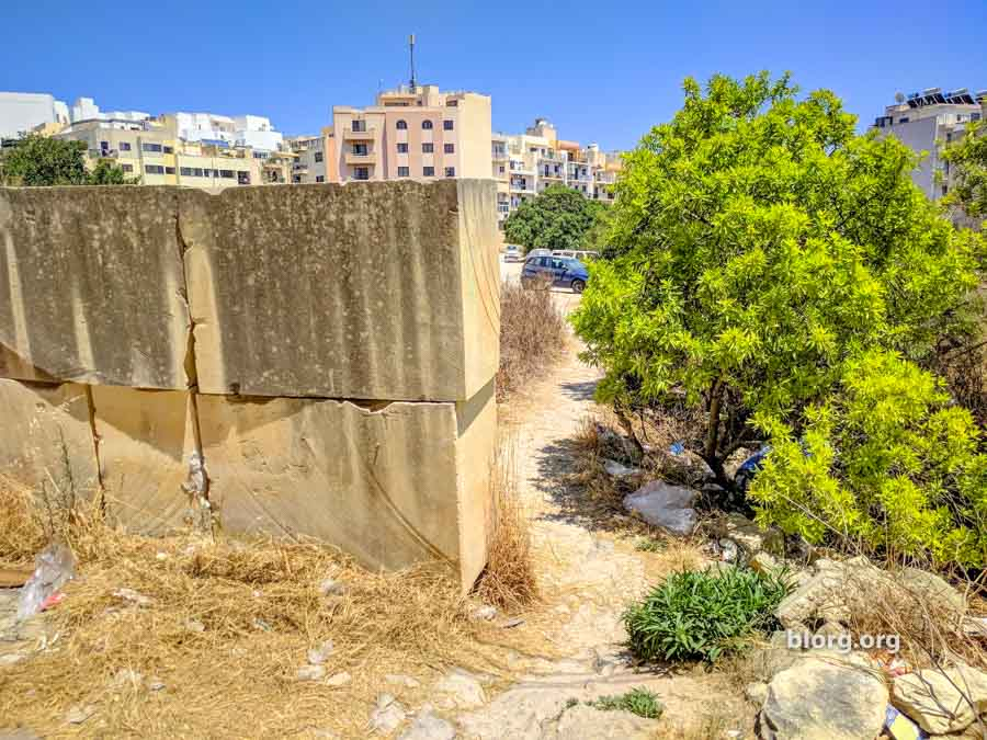 malta travel tips: take these paths during the day if you have to