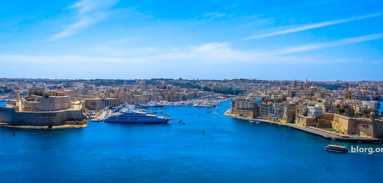 How To Get Around Malta: By Foot, Bus, Ferry and Taxi