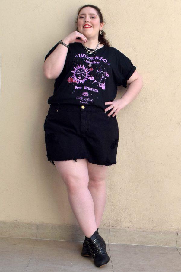 camiseta-sol-lua-blossoms-plus-size-preto